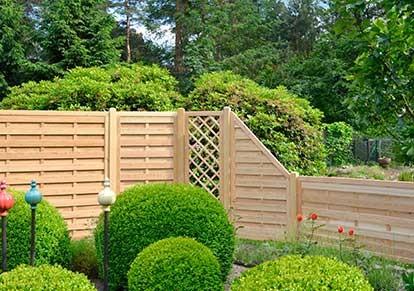 Sichtschutzzäune aus Holz kaufen